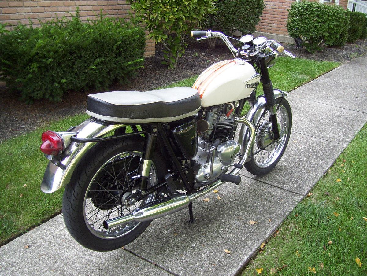 Triumph Bonneville T120R (1 owner 1966-2015) For Sale (picture 2 of 6)