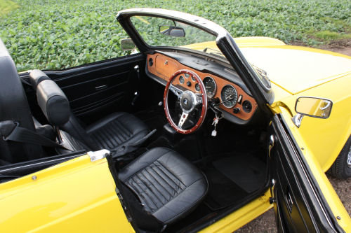 TR6 1974 ORIGINAL UK FUEL INJECTED CAR WITH OVERDRIVE SOLD (picture 2 of 6)