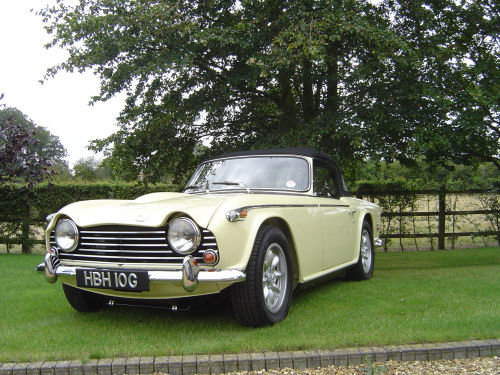 1969 CONCOURS CONDITION TR5  SOLD (picture 1 of 6)