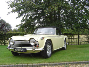 1969 CONCOURS CONDITION TR5  For Sale
