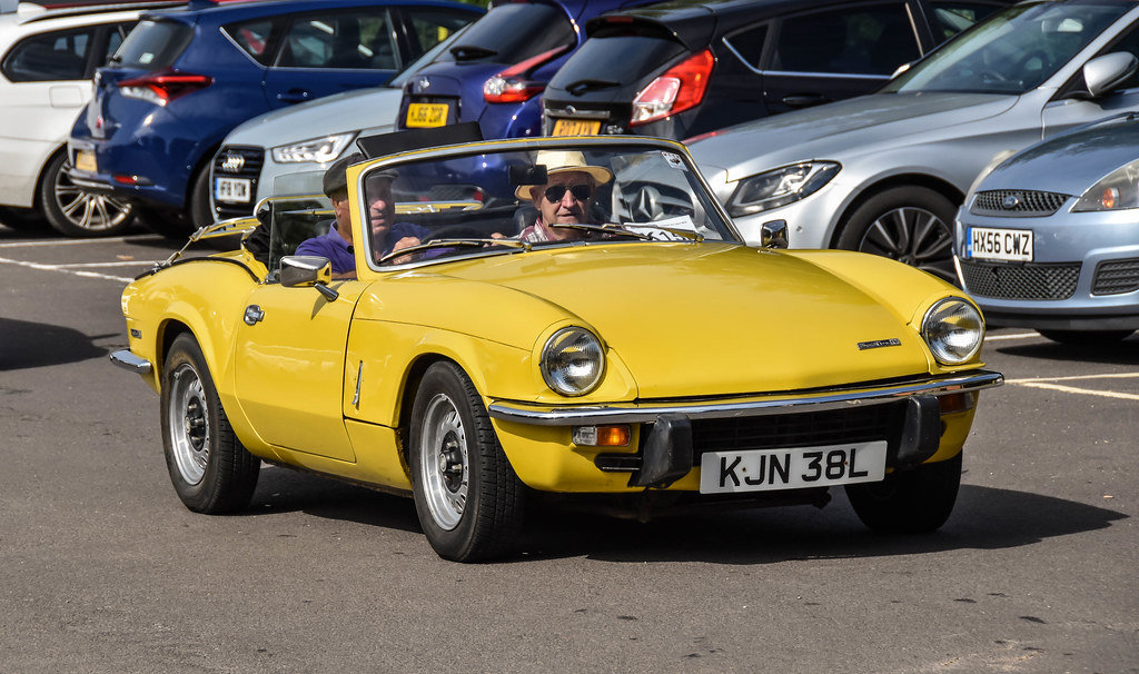 1973 TRIUMPH SPITFIRE MkIV 1296cc. O/DRIVE. YELLOW 42K MILES For Sale (picture 4 of 5)