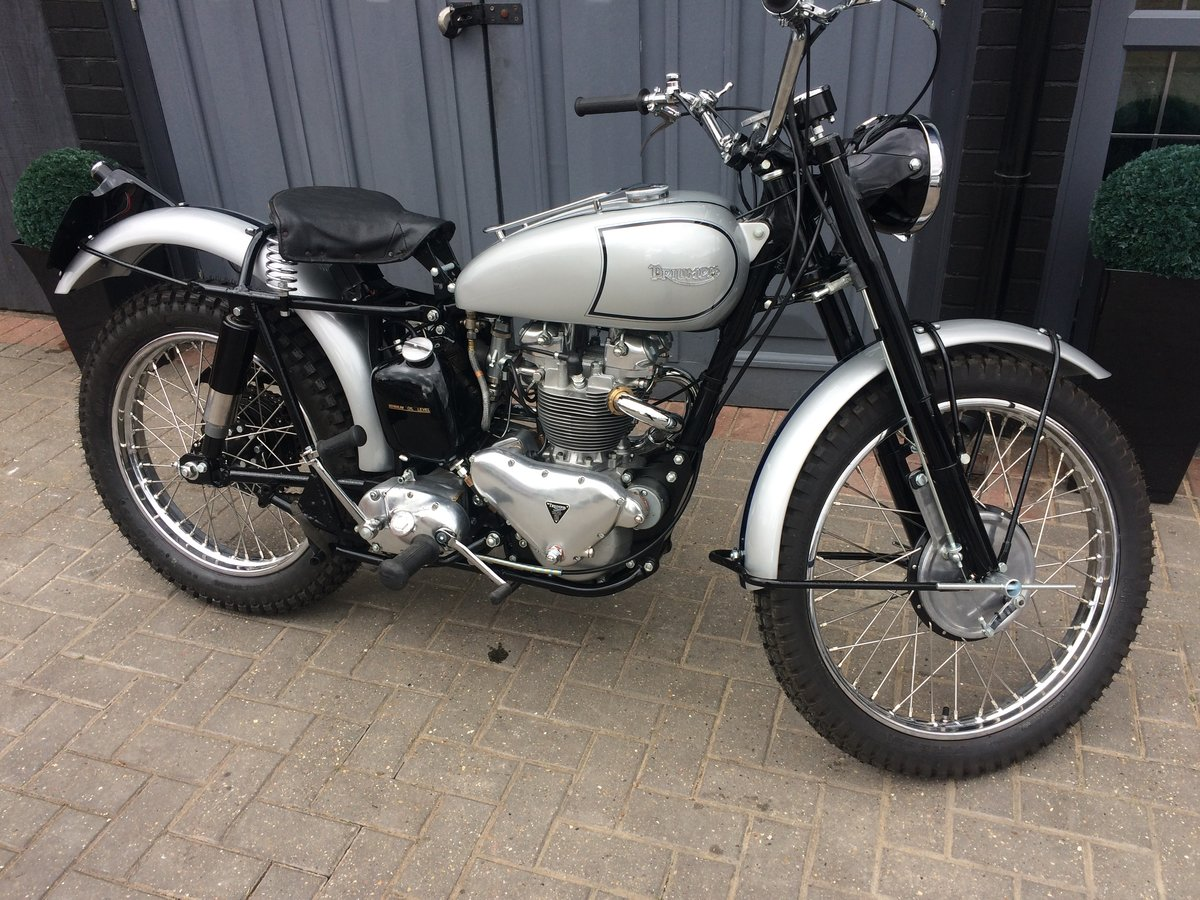 1951 FAMOUS RIDER TRIUMPH TROPHY TR5  For Sale (picture 1 of 6)