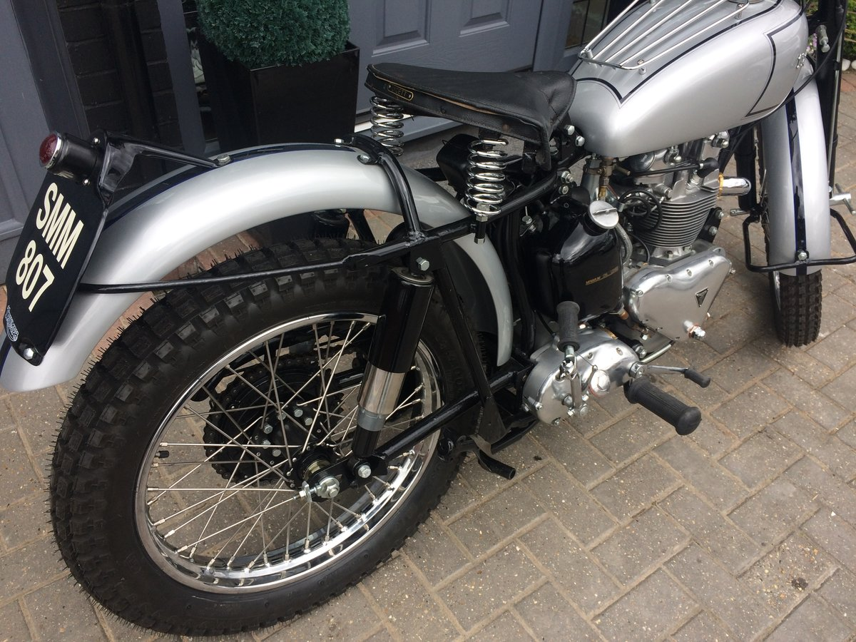 1951 FAMOUS RIDER TRIUMPH TROPHY TR5  For Sale (picture 2 of 6)