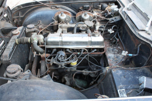 1697 BARN FIND! TR4A 1967 ORIGINAL UK CAR.  SOLD (picture 2 of 6)
