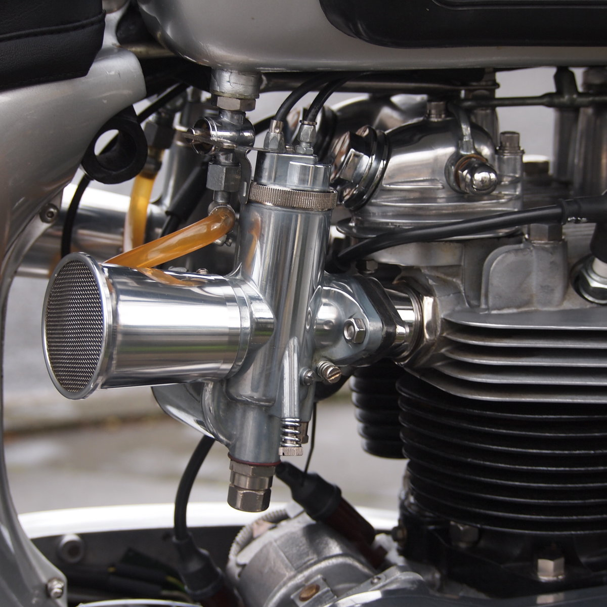 1961 Triumph Tiger T110 650/750 It Goes Like a Rocket. For Sale (picture 4 of 6)