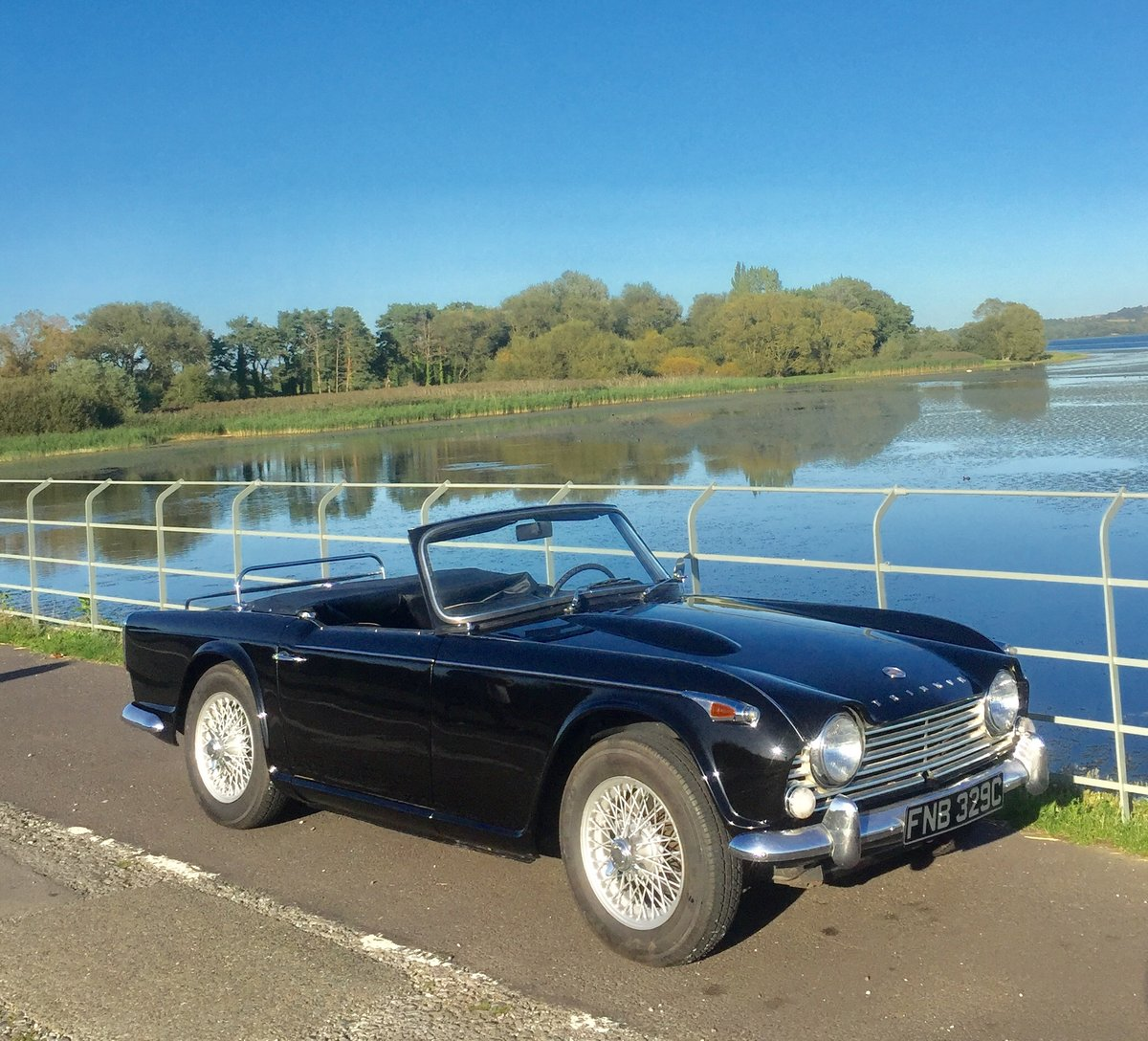 1965 Triumph TR4 irs  For Sale (picture 2 of 6)
