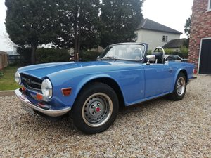 1975 Triumph TR6 injection pi OD French blue