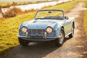 Picture of Triumph TR4 1962 For Sale