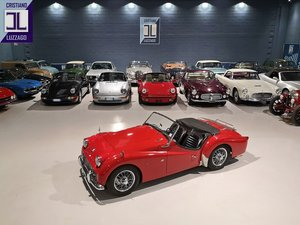 BEAUTIFUL  OLD RESTORATION 1960 TRIUMPH TR3A