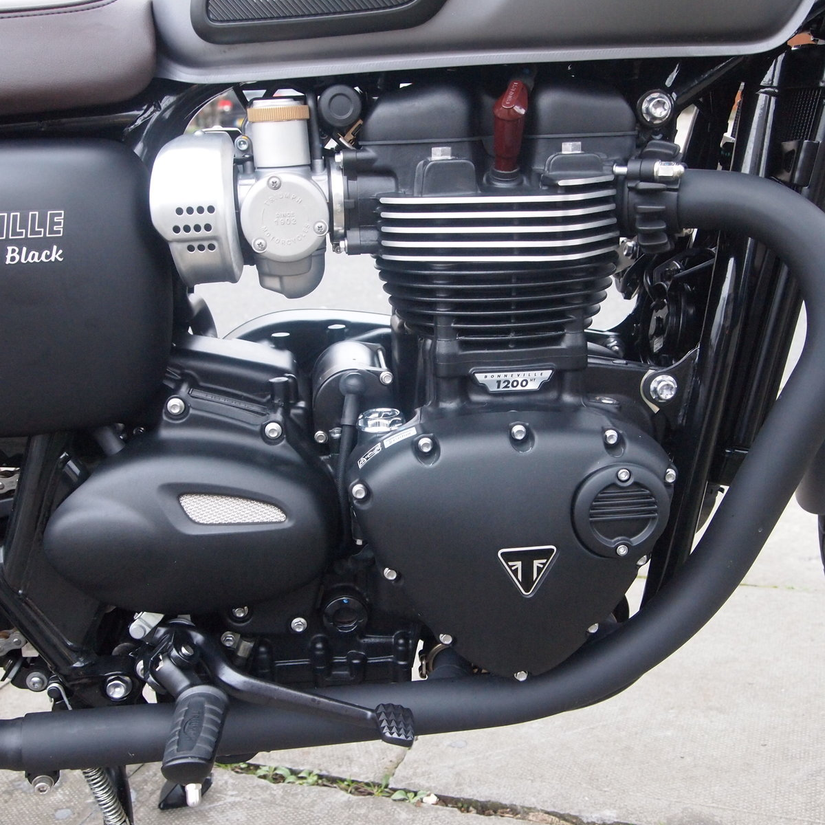 2017  T120 Bonneville 1200cc New Version In As New Condition. SOLD (picture 2 of 6)