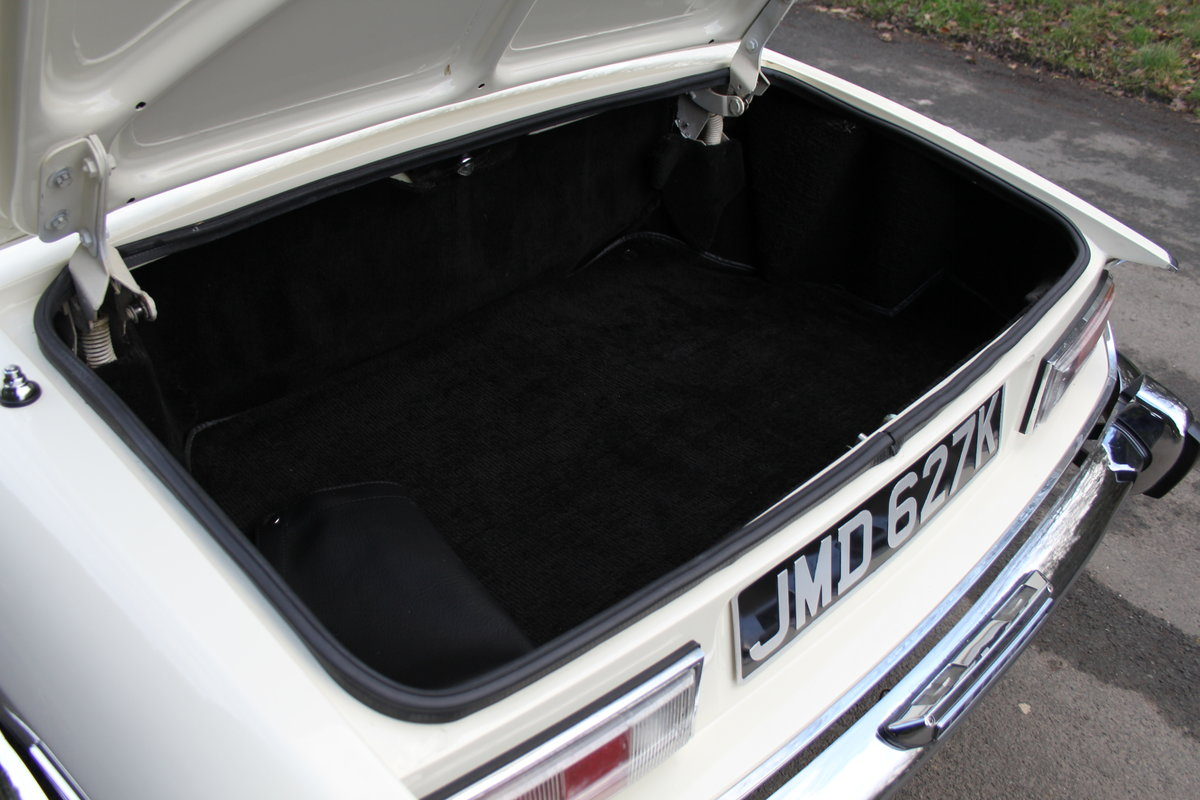 1971 Triumph Stag MKI Manual with Overdrive For Sale (picture 19 of 23)