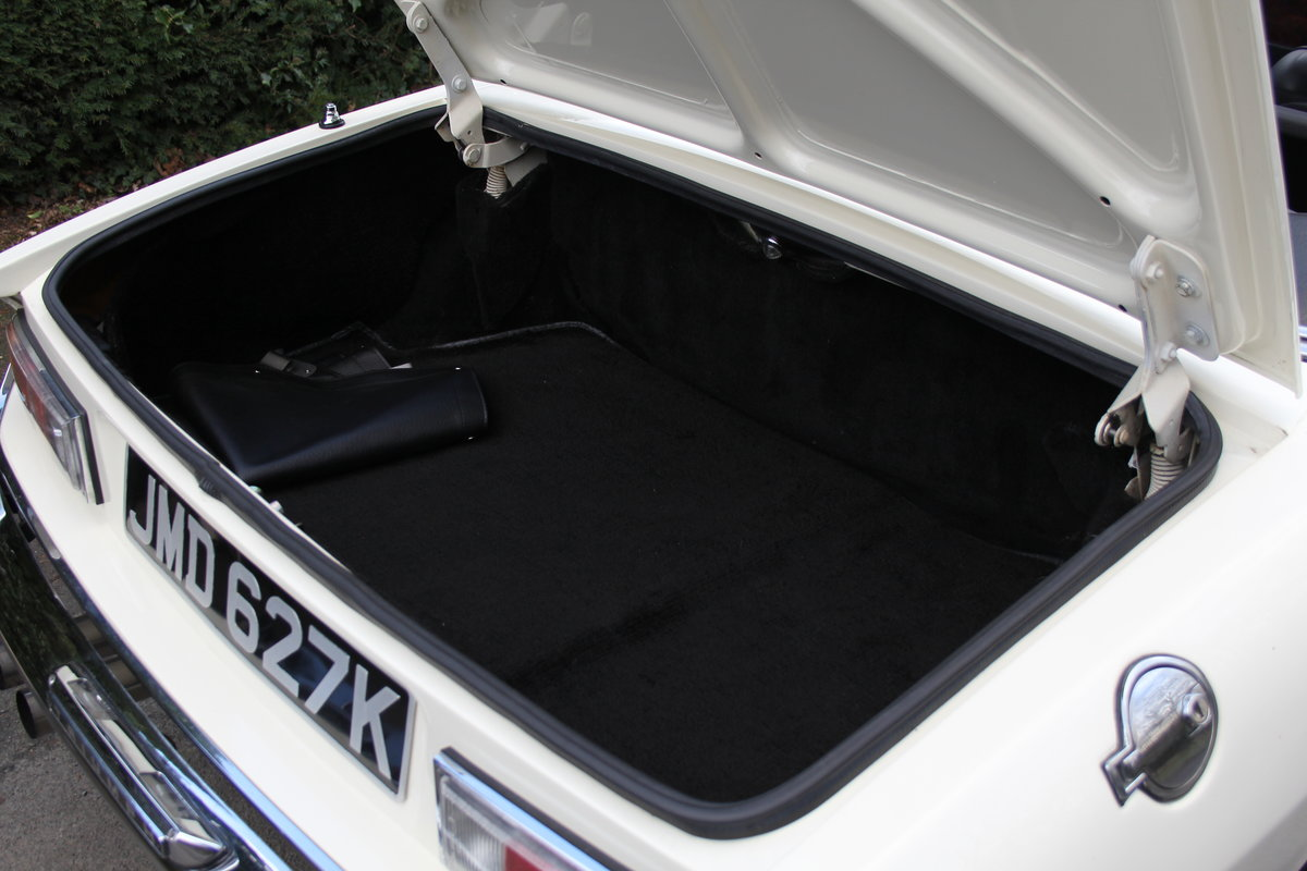 1971 Triumph Stag MKI Manual with Overdrive For Sale (picture 20 of 23)