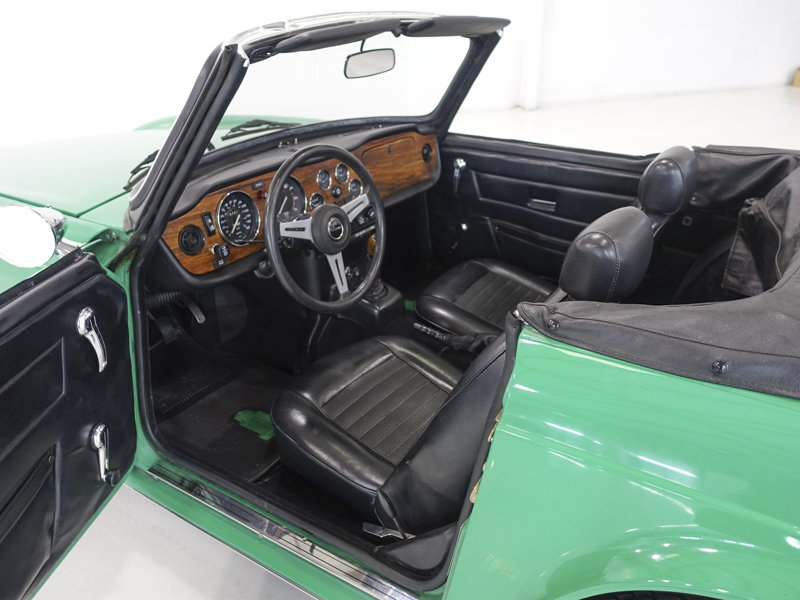 Java Green 1975 Triumph TR6 Roadster For Sale (picture 2 of 6)