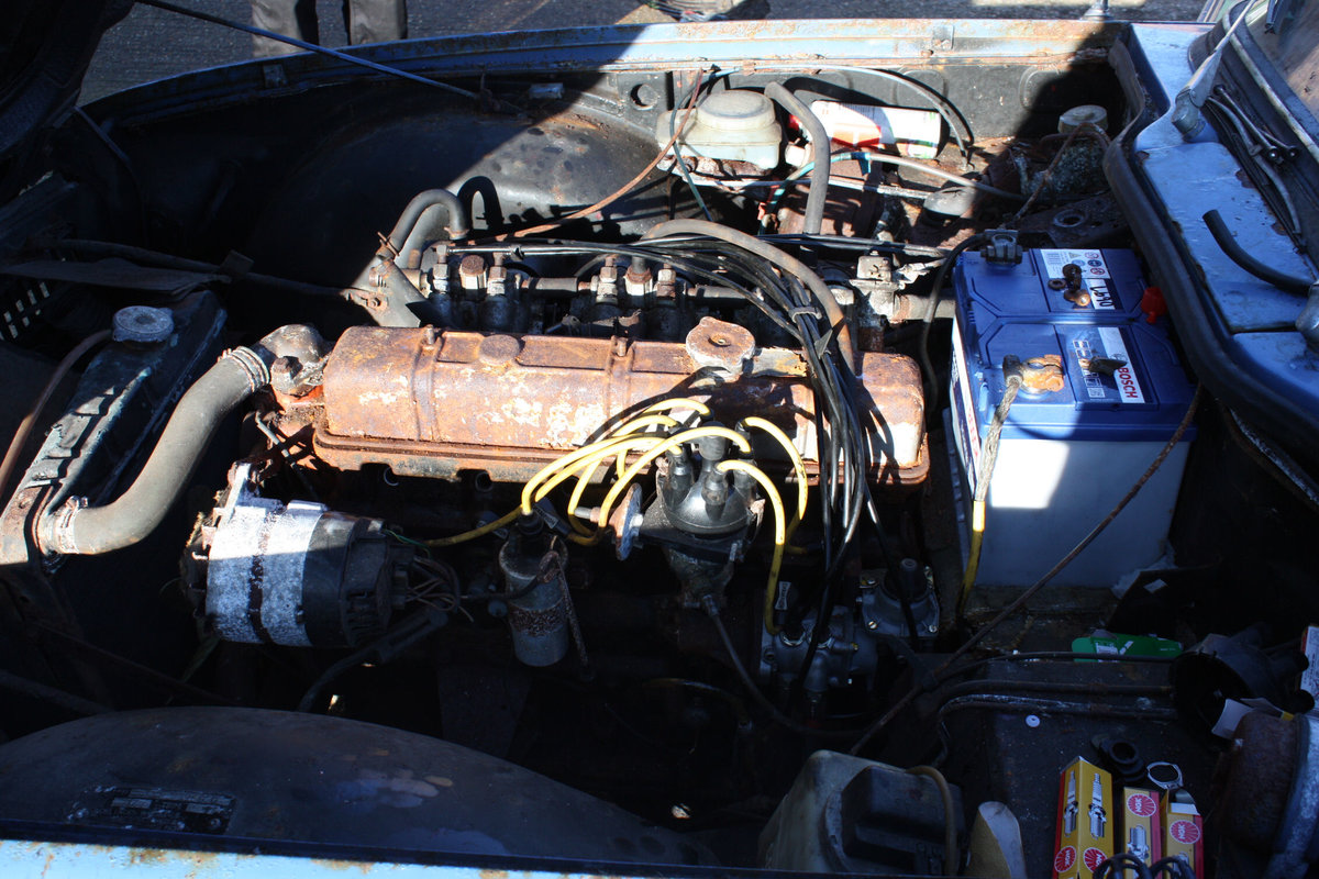 BARN FIND TR6 1971 GENUINE 150 BHP CAR WITH OVERDRIVE. SOLD (picture 2 of 6)