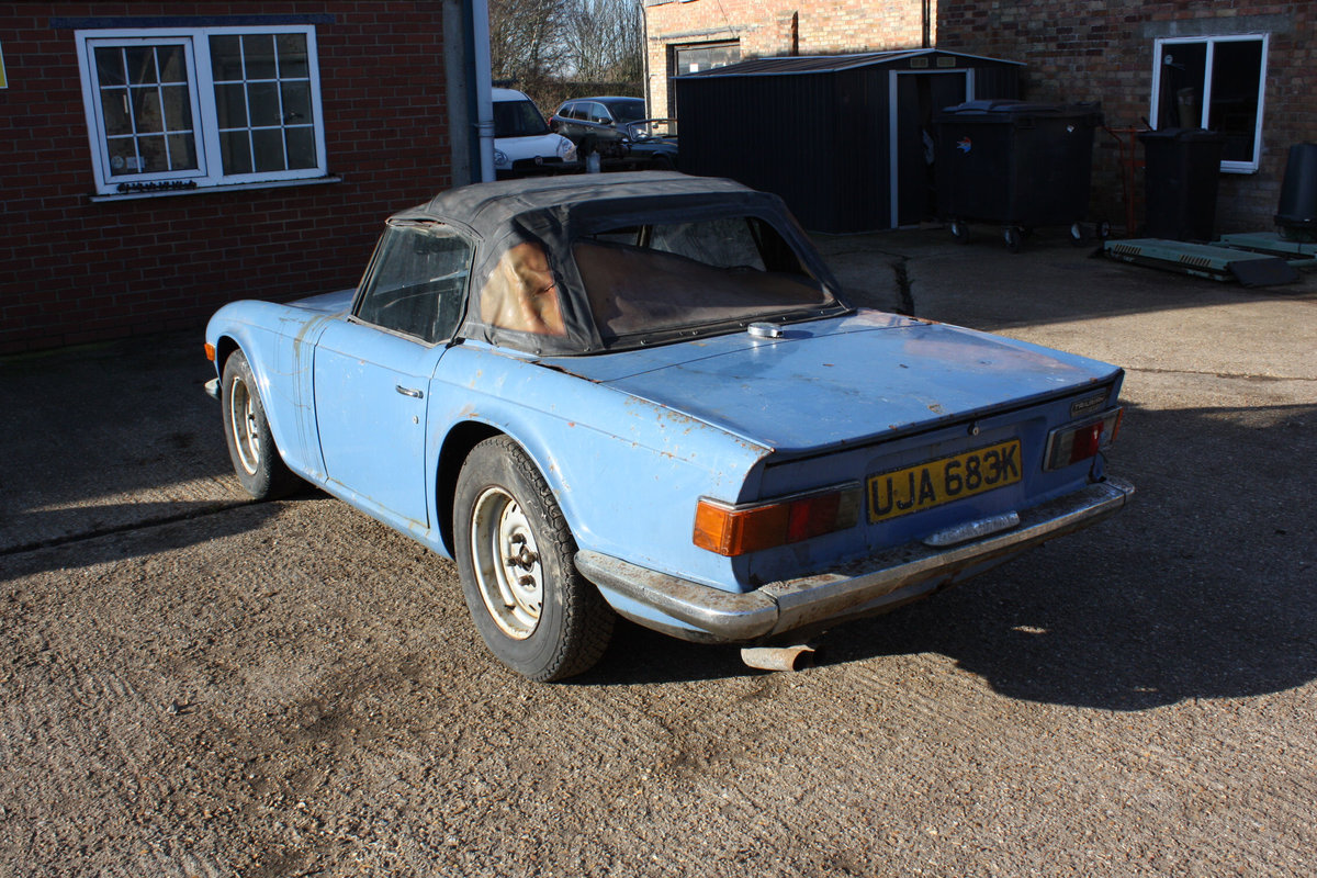 BARN FIND TR6 1971 GENUINE 150 BHP CAR WITH OVERDRIVE. SOLD (picture 4 of 6)