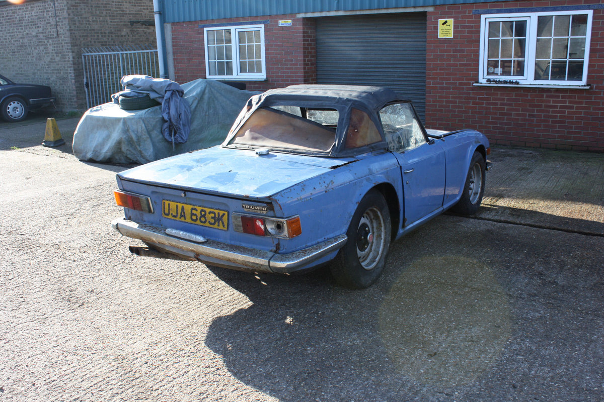 BARN FIND TR6 1971 GENUINE 150 BHP CAR WITH OVERDRIVE. SOLD (picture 5 of 6)