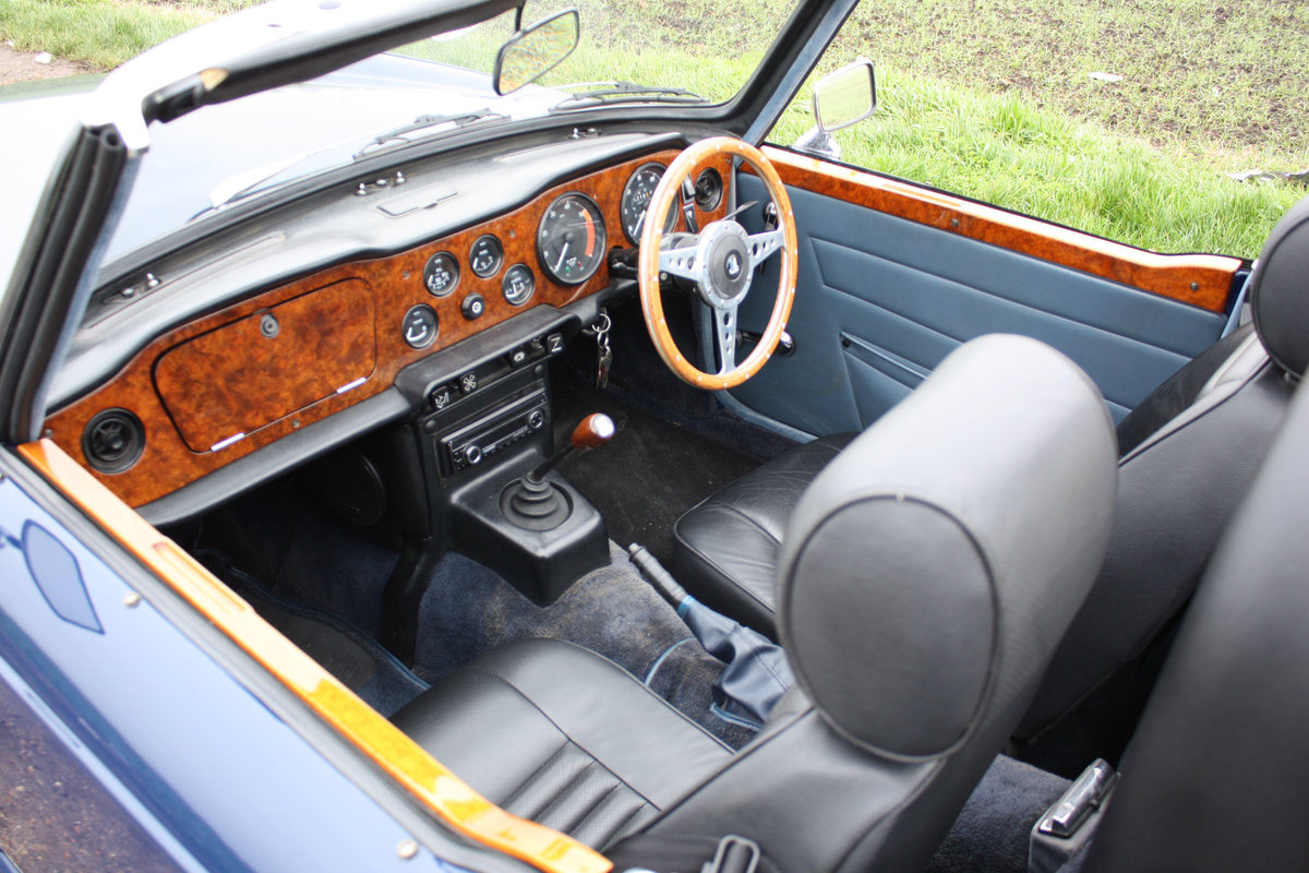 TR6 1972. SAPPHIRE BLUE, GENUINE 150 BHP UK CAR WITH OVERDRI SOLD (picture 2 of 6)