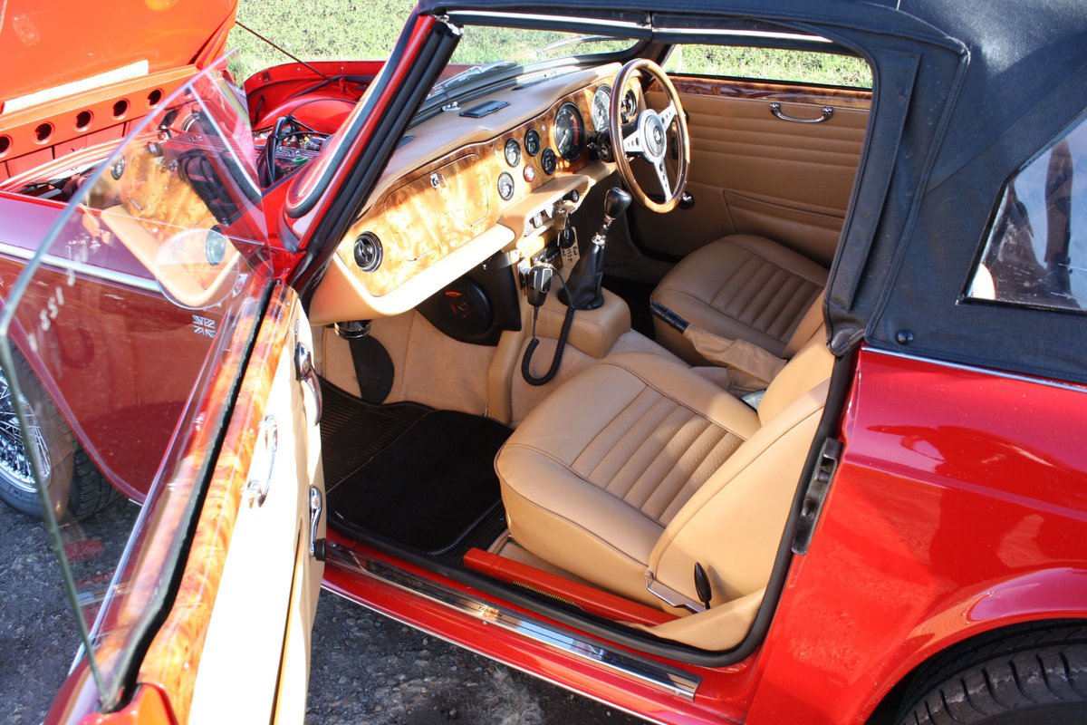 1968 OUTSTANDING TRIUMPH TR5 SOLD (picture 4 of 6)
