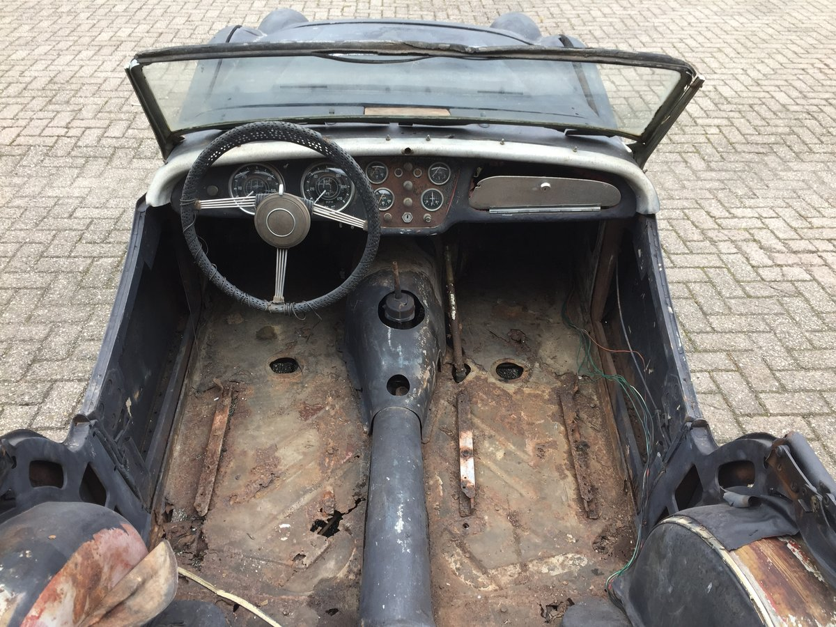 1959 Triumph TR3A for restoration For Sale (picture 3 of 6)