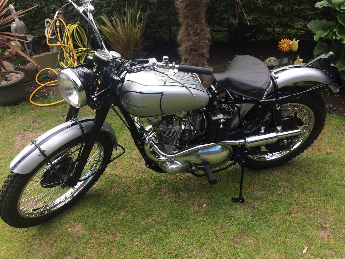 1951 TRIUMPH TROPHY TR5 Famous Rider/Owner For Sale (picture 2 of 12)