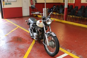 1986 Triumph Bike- To be auctioned 26-06-20