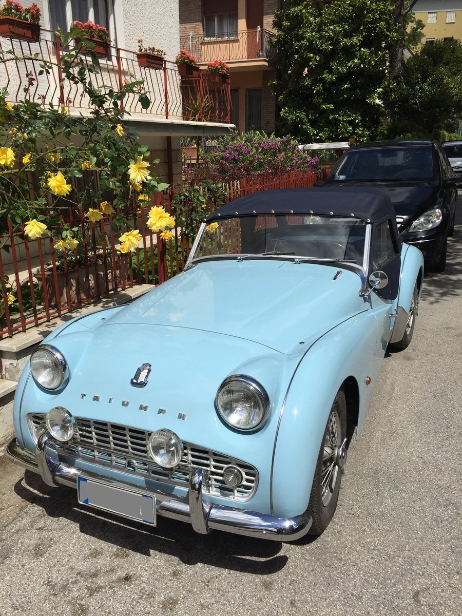 1961 Triumph Tr3 A Completely restored - like new! For Sale (picture 2 of 6)