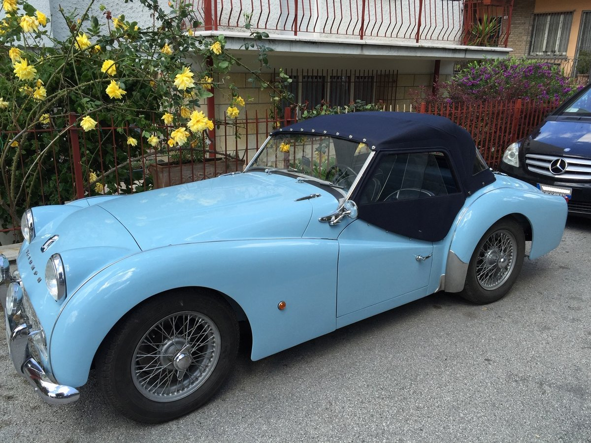 1961 Triumph Tr3 A Completely restored - like new! For Sale (picture 1 of 6)
