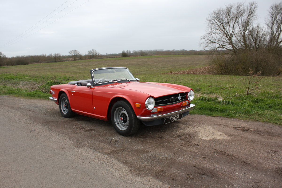 TR6 1972 PIMENTO RED WITH OVERDRIVE. 150BHP FUEL INJECTED EN SOLD (picture 3 of 5)