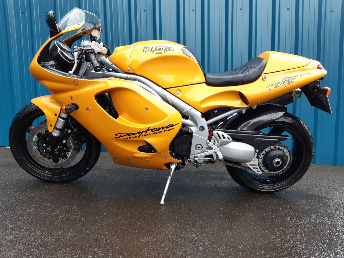 1997 Genuine 11000 miles only! SOLD (picture 2 of 6)