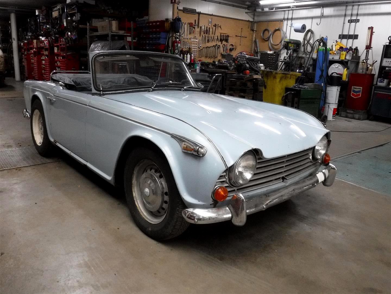 Triumph TR4A 1966 SOLD (picture 1 of 6)