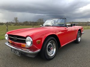 Picture of 1971 Triumph TR6 2.5 PI Manual with overdrive in signal red  SOLD