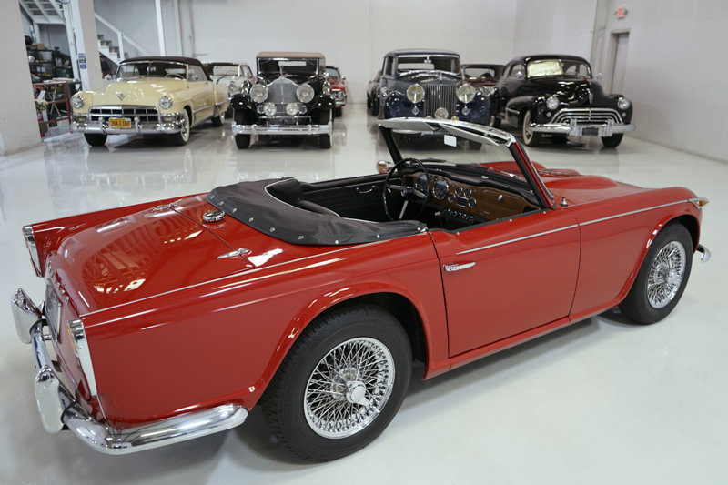 1965 Triumph TR4A Roadster For Sale (picture 2 of 6)