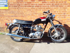 Picture of 1973 Triumph Trident T150v