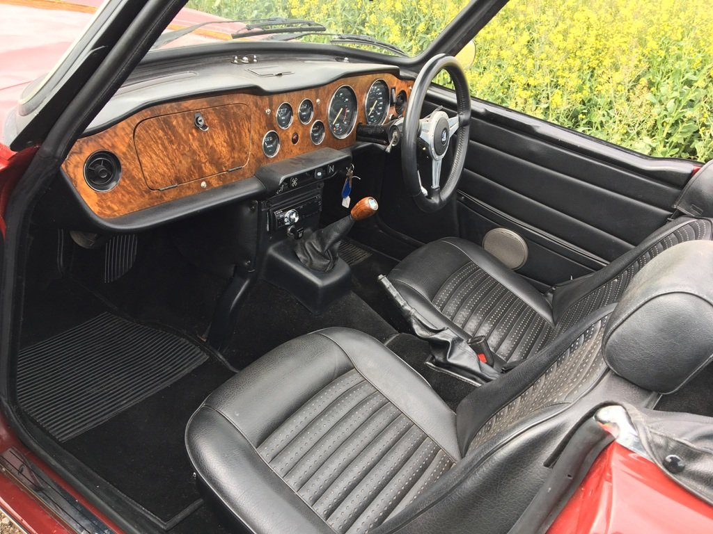 TR6 1973. CARMINE RED WITH BLACK INTERIOR. SOLD (picture 3 of 6)
