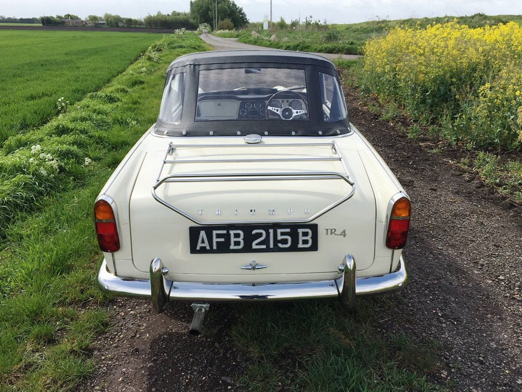 TR4 1963 WHITE WITH BLACK INTERIOR. SOLD (picture 6 of 6)