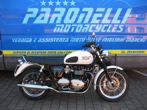 Triump Boneville 865 cc