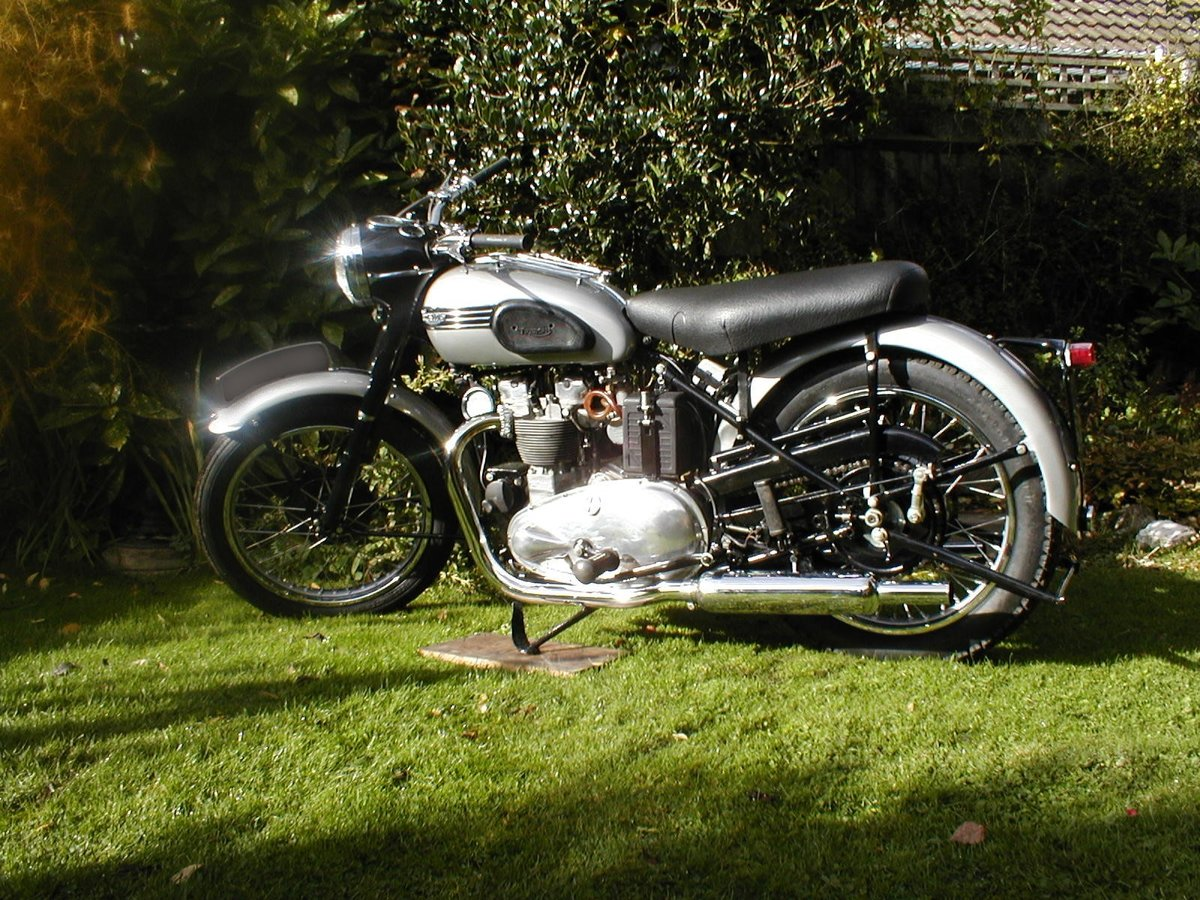 1953 Triumph t100 sprung hub matching numbers For Sale (picture 1 of 6)