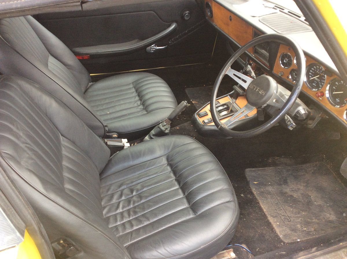 1974 Triumph Stag Automatic. Black leather interior. For Sale (picture 4 of 6)