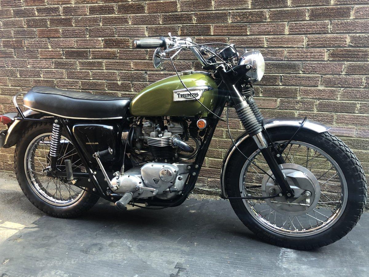 Triumph Trophy 650 tr6c 1970 SOLD (picture 1 of 6)