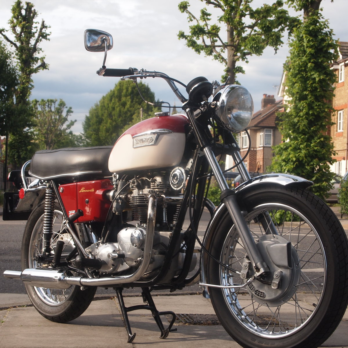 1971 Triumph T120R 650 Bonneville, RESERVED FOR RICHARD. SOLD (picture 1 of 6)