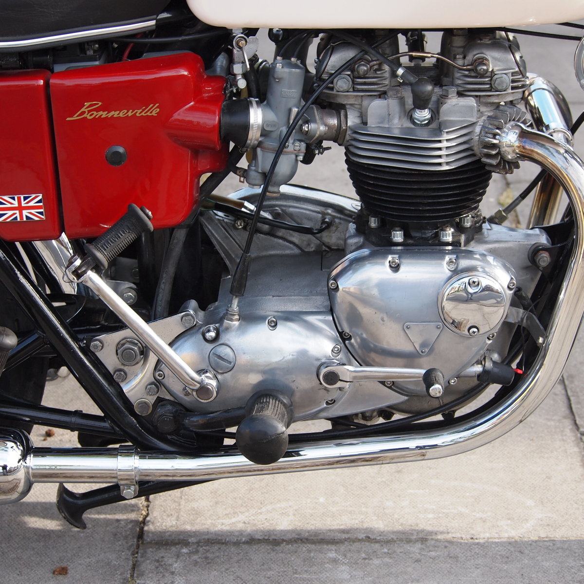 1971 Triumph T120R 650 Bonneville, RESERVED FOR RICHARD. SOLD (picture 4 of 6)