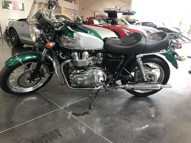 2001 Triumph Bonneville * LIKE NEW * For Sale (picture 1 of 6)