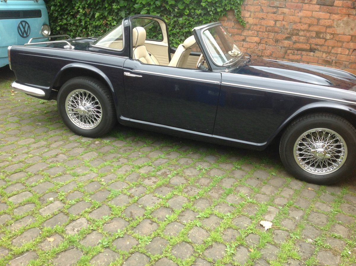1966 Triumph TR4A IRS For Sale (picture 1 of 6)