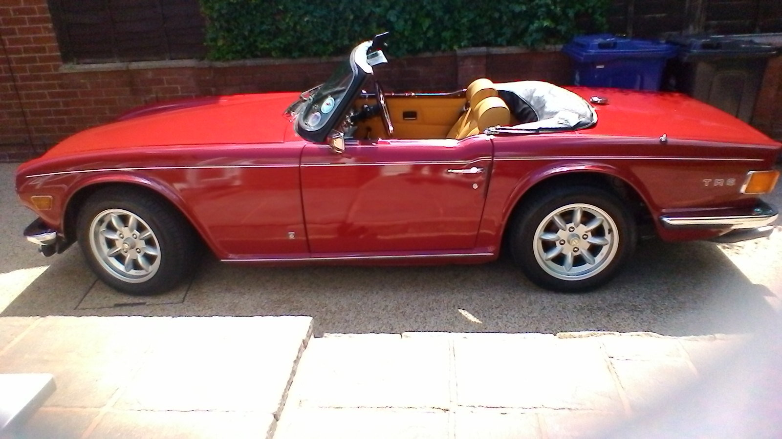 1975 Triumph TR 6 Genuine RHD car with overdrive SOLD (picture 1 of 6)
