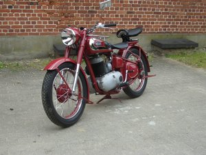Triumph BDG 250 H - witness of the past
