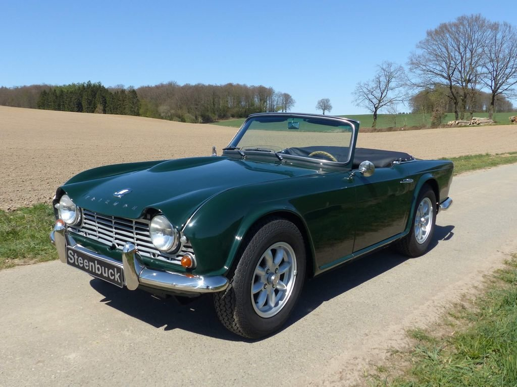 1964 Triumph TR4 - very british speedster For Sale (picture 1 of 6)