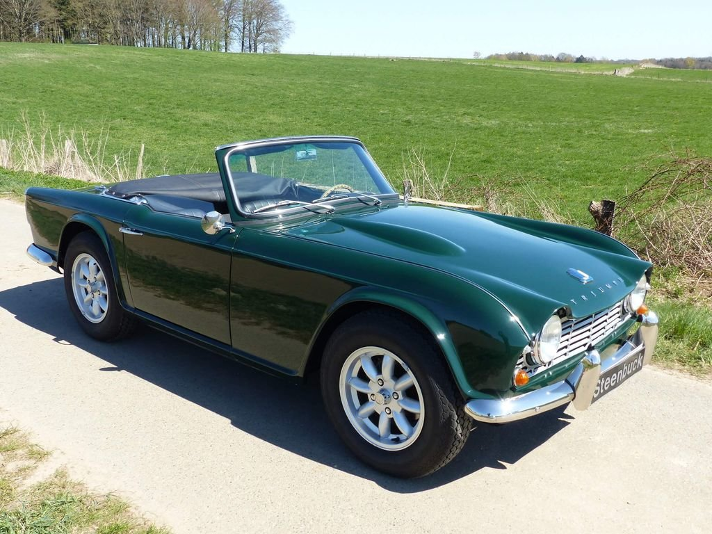 1964 Triumph TR4 - very british speedster For Sale (picture 2 of 6)