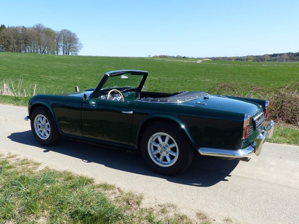 1964 Triumph TR4 - very british speedster For Sale (picture 3 of 6)
