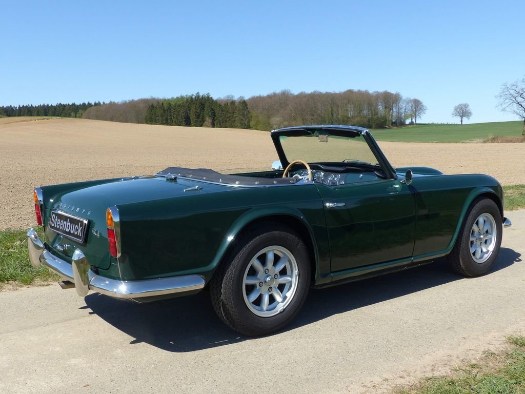 1964 Triumph TR4 - very british speedster For Sale (picture 4 of 6)