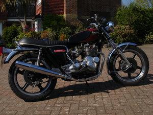 Triumph T160